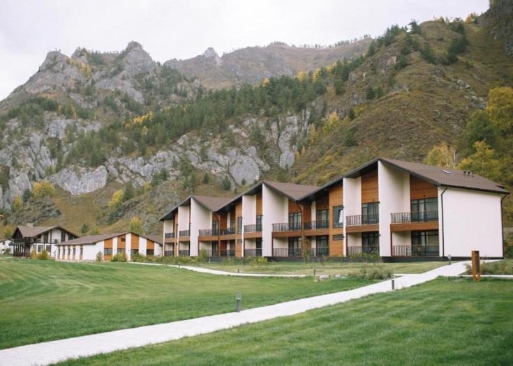 Отдых на Алтае осенью: базы отдыха
