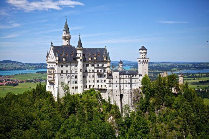 Немецкий замок Нойшванштайн